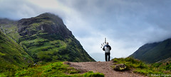 DSC_2599 (iggythump) Tags: glencoe scotland scottishhighlands bagpipes bagpiper