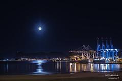 La ultima Luna llena del verano (Diego_Arroyo) Tags: moon luna nocturnas nightphoto nightscapes algeciras