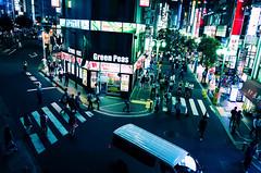Day 253/366 : Green Peas (hidesax) Tags: 253366 greenpeas night shinjuku street friday passersby car roof lights tgif tokyo japan hidesax leica x vario 366project2016 366project 365project