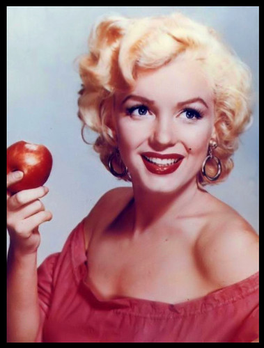 Marilyn with an apple