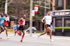 Yonge St. 10k (mr_canuck) Tags: toronto race run yongestreet 10km