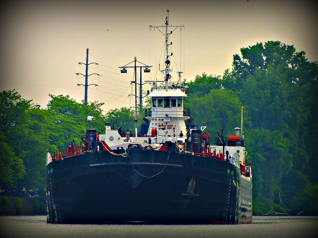 Tug Michigan and Barge Great Lakes In Buffalo