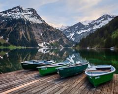 Vilsalpsee (mibreit) Tags: schnee lake snow mountains reflection boats austria see evening abend sterreich spring atmosphere boote alpen spiegelung stimmung frhling tannheim ruderboot vilsalpsee vilsalp