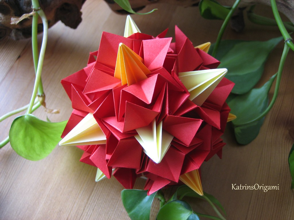 The worlds best photos of bellflower and origami flickr hive mind bellflower kusudama katrinsorigami tags origami modular tomoko fuse bellflower kusudama mightylinksfo