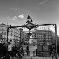 7155_F (Puerta del Sol, Madrid) (Rafelot) Tags: madrid españa sol canon spain metro citroen nostalgia boca puertadelsol tiopepe comunidaddemadrid sueca 1000d eixidetes rafelot amicsdelacamera afsueca afcastello
