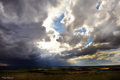 Incoming! (Tony Margiocchi (Snapperz)) Tags: light summer storm rain weather clouds nikon bedfordshire july stormy incoming nikkor d3 dunstabledowns tonymargiocchi nikond3 2470mmf28g