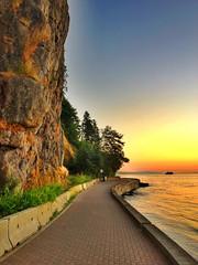 Seawall Sunset (Shore Birder) Tags: sunset cliff vancouver seawall stanleypark stanleyparkseawall