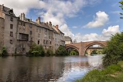 Le vieux pont sur le Lot  Espalion (CrOS Photographie) Tags: bridge sky france water clouds river eau cityscape perspective lot medieval rivire ciel pont nuages paysage olt aveyron mdival midipyrnes espalion