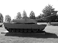 XM1 Abrams (Photo Squirrel) Tags: xm1 xm1abrams tank armour armor abrams apg aberdeenprovinggrounds aberdeenmd aberdeentankmuseum unitedstatesarmyordnancemuseumaberdeenmd usarmy army military