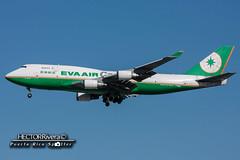 B-16407 (Hector A Rivera Valentin) Tags: eva air cargo reg b16407 boeing 747400 al1 msn 27899 losangeles international lax klax