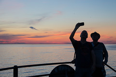 Silhouettes taking a selfie (Infomastern) Tags: goodnightsunset malm vstrahamnen hav mnniska people sea silhouette siluetter solnedgng sunset exif:model=canoneos760d exif:aperture=45 exif:focallength=40mm camera:make=canon geocity camera:model=canoneos760d geocountry exif:isospeed=200 exif:lens=efs18200mmf3556is geostate geolocation exif:make=canon