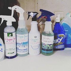 """Buying cleaning solutions in bulk and reusing empty spray bottles for your own """"concoctions"""" is a LOT cheaper than continually buying the pre-made cleansers. Here's what I buy in bulk to mix together for all-purpose, kitchen, bathroom, carpet, and floor c (Jenn ) Tags: ifttt instagram"""