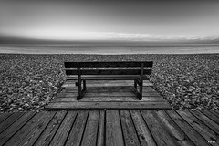 24 08 2016 Cayeux sur mer-3 (rjp62126) Tags: 1740f4lusm 2016 banc canon canon6d cayeuxsurmer gnd8 leefilter picardie somme baie baiedesomme borddemer cabine cabinedeplage filter filtre filtregradué france galets hautsdefrance lee mer plage polarisant polarisantcirculaire promenade sea nordpasdecalaispicardie fr