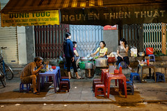 late dinner (grapfapan) Tags: oldtown people street streetphotography streetlife night vietnam hanoi