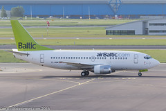 YL-BBM - 1992 build Boeing B737-522, taxiing to gate on arrival at Schiphol (egcc) Tags: 2366 26680 ams airbaltic amsterdam b735 b737 b737500 b737522 bt bti boeing cfcgf eham lightroom n680mv n943ua schiphol ylbbm