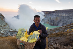 WB1A1574-293 (Lauren Philippe) Tags: du11juinau25juin2016 indonesia indonsie java kalahijen volcan ramasseursdesouffre souffre sulphur sulphurman
