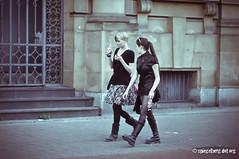 Gutes Gespräch (kagamiyama) Tags: street girl japan zeiss umbrella germany 50mm comic sony gothic manga harajuku düsseldorf 2012 1550 sonnar japantag sonynex nexf3