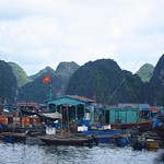 "Floating Fishing Village in Lan Ha Bay <a style=""margin-left:10px; font-size:0.8em;"" href=""http://www.flickr.com/photos/14315427@N00/7268249714/"" target=""_blank"">@flickr</a>"
