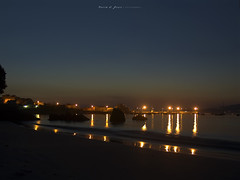 Orfebrera de luces (Rodion Quidam) Tags: light sea house reflection luz praia beach water rock night sailboat port marina puerto noche boat mar casa sand agua farola barca darkness cove playa arena galicia lamppost reflejo ensenada reef motorboat roca velero oscuridad shallows darkening marn puertodeportivo aguete radepontevedra roquedal rockyplace bajo escollo lanchamotora mygearandme mygearandmepremium