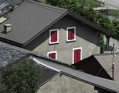 volets clos (bulbocode909) Tags: suisse maison branson valais