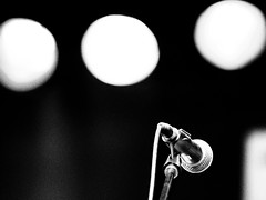Superstar (MomoFotografi) Tags: show bw music white black film mike festival rock digital de concert noir montréal quebec bokeh montreal stage grain jazz olympus scene international québec micro grainy mic et 50200mm blanc zuiko f28 e5 zd festivalinternationaldejazzdemontréal olympuse5 fijm2012