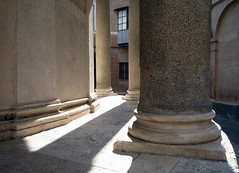 Bramante's Tempietto, column and pilaster bases