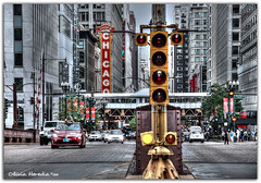 Lights On (Olivia Heredia) Tags: balabanandkatzchicagotheatre chicagotheatre theatre lights traffic trafficlights statestreet streets chicago windycity illinois unitedstates us usa oliviaheredia hdr highdynamicrange 1exp tonemapping tonemapped oliviaherediaotero