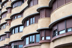 Bilbao Curves (Bruce Poole) Tags: windows summer architecture spain balcony curves july bilbao ventanas julio juliette basque fenetre balcone 2016 julliet biscay linesandcurves apartements brucepoole juy2016