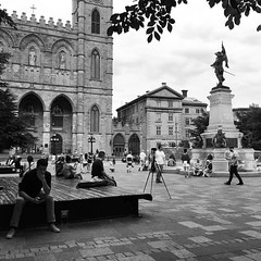 Hanging out @ place d'armes. #Montreal #blackandwhite #urban (i Catch) Tags: instagramapp square squareformat iphoneography uploaded:by=instagram inkwell