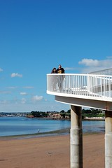 Schody (klio2582) Tags: beach stairs sky cloud couple white blue torquay