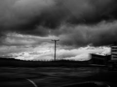 Voyage au bout de l'le #3 (franleru1) Tags: abstract art bw backlight blur ciel ecosse effets landscape light nb nature nuage omdem5 olympus paysage route scotland uk window blackandwhite car clouds contrejour flou monochrome noiretblanc road