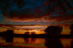 Cool & Warm Colorized Sunset (Gary.Lamprecht) Tags: sunset canon t6s tamron18270mm topaz restyle clarity denoise mississippiriver backwaters