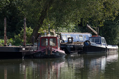 untitled (robwiddowson) Tags: waterscape river thames oxford boats barge narrow robertwiddowson photo photograph photography image picture art