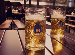 ... in Munich (desomnis) Tags: lighting trip light beer canon germany munich münchen eos 350d spring drinking tasty bier traveling canoneos350d eos350d hofbräukeller hofbräuhaus hofbräu desomnis