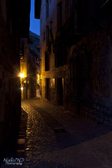 Horas de colores (Nadia*ND) Tags: street light luz window night ventana noche calle bluehour teruel largaexposicin albarracn longesposure horaazl