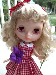 Muggle's flower (moondoxy) Tags: doll mug blythe pepperonipizza rbl