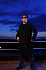 L'apprendista lampista - The strobist's apprentice (Tonionick1) Tags: portrait selfportrait ctb nikon sb600 autoritratto ritratto 2012 cto week21 2470 lampista strobist su800 d5000 sb900 tonionick week21theme 522012 52weeksthe2012edition weekofmay20
