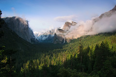 Hours later, Spring snow storm clearing, Tunnel View - May 25, 2012. 7:13 pm  #2620 (andrys1) Tags: yosemite yosemitenationalpark valleyview nationalgeographic tunnelview clearingstorm gatesofthevalley stormclearing maysnowstorm