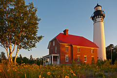 Lighthouse Sunset (Gary of the North(Footsore Fotography)) Tags: lakesuperior picturedrocksnationallakeshore absolutemichigan ausablepointlighthouse
