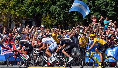 Early Sky view (Majorshots) Tags: cycling tourdefrance yellowjersey peloton champslyses wiggo stage20 avenuedeschampslyses roadcycling bradleywiggins teamsky maillotjeune skyprocycling tourdefrance2012 letour2012 rambouilletparis tape20