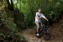 MTBMX (Nebbius) Tags: light italy white mountain bike forest canon one bmx extreme downhill crosscountry mtb biker velo ncr veneto gravis schio 50d tamron1750 strobism yongnuo 565ex 15mpix nebbius