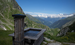 fountain view @ Terrihtte SAC (Toni_V) Tags: alps fountain landscape schweiz switzerland europe suisse hiking 28mm brunnen rangefinder mp alpen svizzera wanderung 2016 graubnden grisons svizra terrihtte leicam grischun elmaritm 160716 valsumvitg typ240 toniv m2400722 vrinpassdiesrutgreinaebeneterrihtterabius