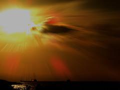 DSCN0150 Shining Sun (tsuping.liu) Tags: outdoor ocean organicpatttern nature natureselegantshots naturesfinest sky sun serene sea seaside skyline lighting cloud colorofsky