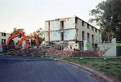 Frame 2-2.jpg (njcull) Tags: 35mm 400 40mm 504410 c41 canberra canoneos33 ef40mmf28stm film focal focal400 owenflats lyneham australiancapitalterritory australia demolition