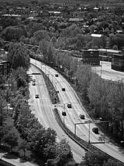 rebro, utsikt frn Svampen (Michael Erhardsson) Tags: sverige rebro stad ort plats vr grnska maj biltrafik vg norr 2011