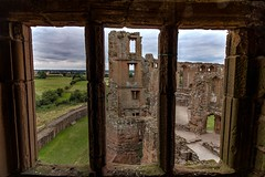 The view (21mapple) Tags: window kenilworth kenilworthcastle castle ruins view medieval englishheritage england canon750d canon canoneos750d canoneos clouds cloudy grass green walls outdoors