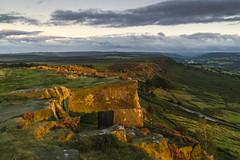 Sunset on the Edges (l4ts) Tags: landscape derbyshire peakdistrict darkpeak goldenhour sunset curbaredge baslowedge derwentvalley gritstone gritstoneedge heather moorland lastlight