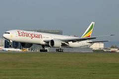 ET-ASK Ethiopian Airlines 777-360/ER Vienna 03/04/2016 (Tu154Dave) Tags: etask ethiopian boeing 777 777300 777360er vienna vie austria airport aircraft touchdown