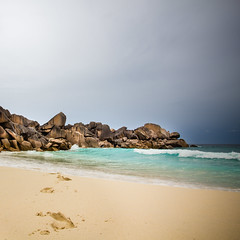 Beach in Seychelles (Zeeyolq Photography) Tags: seychelles beach holidays sea storm water wave ladigue