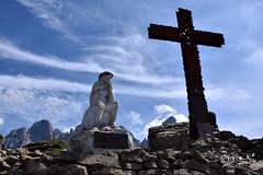 Trova il Tempo... (Biagio ( Ricordi )) Tags: cielo blu nuvole cristo ges croce trentino italy statue montagna mountain dolomiti passorolle montecastellazzo